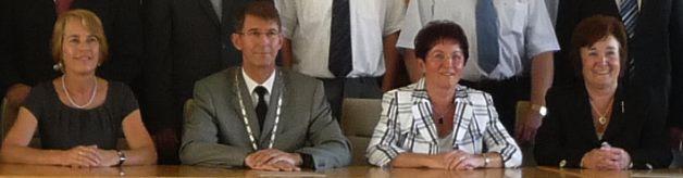 Der Bürgermeister und seine drei Stellvertreterinnen