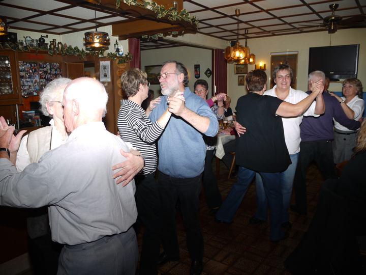 """""""Spitzbuam""""-Party in der Dorfschänke"""