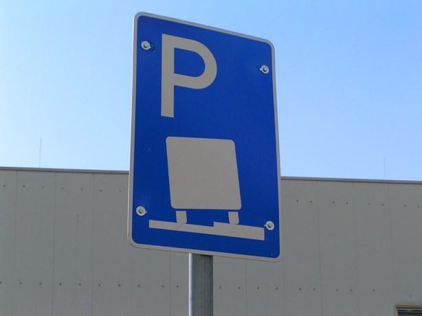 Heddesheim führt neues Verkehrsschild für Lkw ein