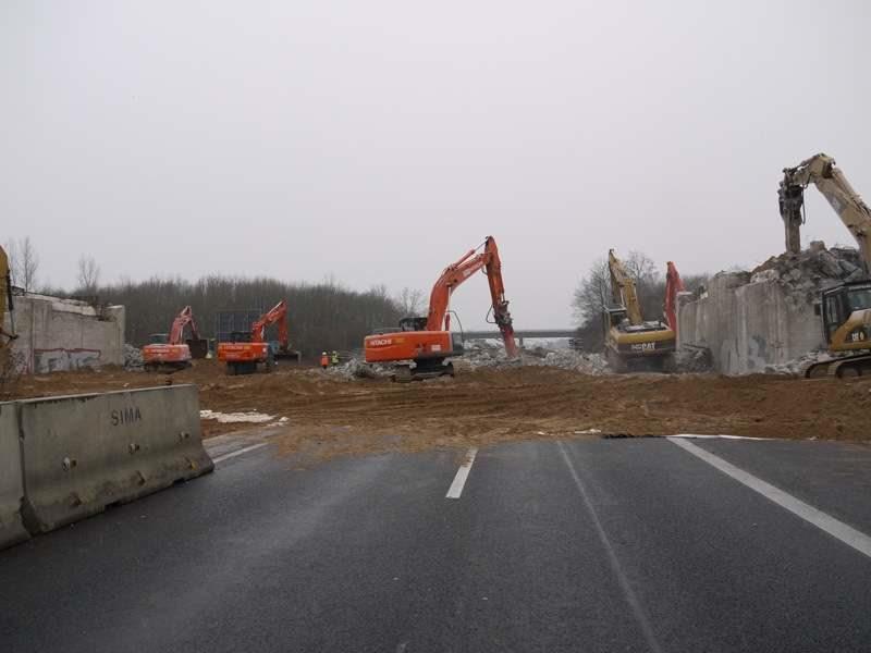 Die Brücke ist weg – Aufräumarbeiten dauern aber noch bis 17 Uhr