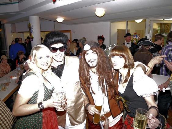 Närrische Schlagerparty 2010 – Grumbe feiern im Bürgerhaus