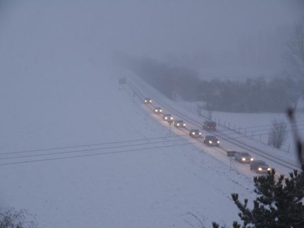 Unwetterwarnung: Starker Schneefall und Schneeverwehungen erwartet