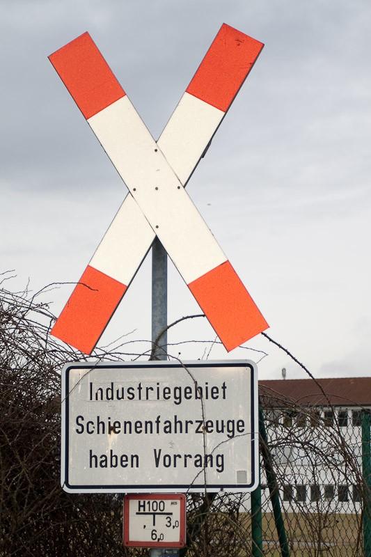 """""""Kein Anschluss ohne Gleis"""" – Entgleisungen vorprogrammiert"""