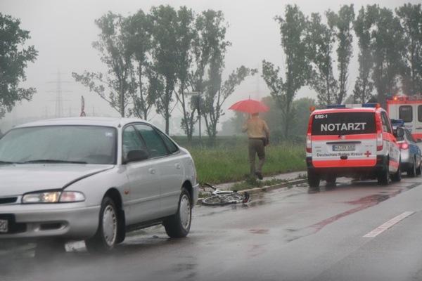 84- jähriger Radfahrer verstirbt noch am Unfallort